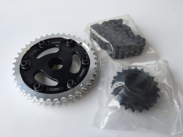 Fully adjustable alloy vernier timing gear set complete with competition timing chain to fit MG Midget and Austin Healey Sprite